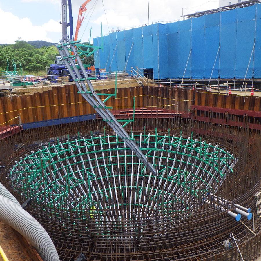 Baustelle in Japan für die Konstruktion eines Faulturms