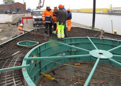 Anlegestellen für Offshore-Monopile-Windkrafttürme in London Array - Großbritannien